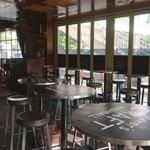 マンゴツリーカフェ+バー - 店内