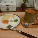ケノヒ - パウンドケーキ、ラムチャイ
