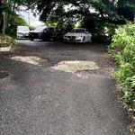 とん鈴 - 駐車場スペース