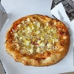 オーケー - 料理写真:ポテトツナコーンピザ(パン)
