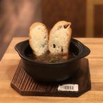 天ぷらスタンドKITSUNE - 牛すじ土手煮込み バケット付き