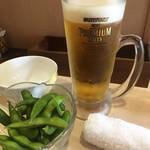 日本橋焼餃子 - 晩酌セットの「枝豆」と「生ビール」