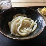 とば作 - 料理写真:麺を受け取った状態