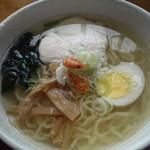 めだかのがっこ - 料理写真:会津山塩らーめん