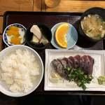 市場のめし屋 浜ちゃん - 市場のめし屋 浜ちゃん(鰹のタタキ定食)