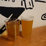 111685882 - 柚子のビール(280元)と烏龍茶(160元)