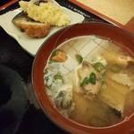 富士寿司 - セットの小鉢とあら汁 こちらもすごく美味しい(^o^)