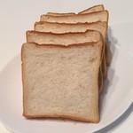 111687736 - 食パン