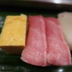 すし屋の芳藤 - 料理写真:マグロ2、玉