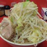 らーめん豚喜 - 小らーめん 680円 太麺 野菜ダブル