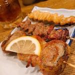 小太郎 - ボンジリ、砂肝の皮、しその肉巻