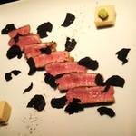 11171474 - 和牛いちぼのステーキしょうゆのムースと黒トリュフを乗せて