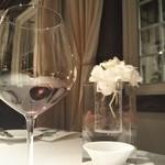 オーベルジュ・ド・リル - メインに合わせて赤ワイン。