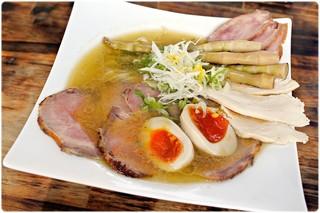 麺屋 裕 - 蟹塩ラーメン+裕(ヒロ)盛り 750+350円 豪華絢爛!ここまで多彩に具沢山な一杯ってのは見たことないです。