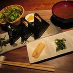 111715395 - ワンコインモーニング+100円のお惣菜