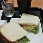 カフェミラノ - モーニングメニュー Bセット(ふんわりタマゴとソーセージサンド) アイスコーヒー 400円(税込)