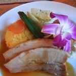 ポリネシアンテラス レストラン - 「マヒマヒフライと厚切りポークのポリネシアンソース バターライスと温野菜添え」