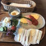 焙煎珈琲工房 梢庵 - クラシックサンドイッチセット  725円