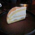 gii - 特製ミルクのバナナケーキ