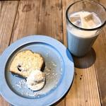 カシカ - 料理写真:ココナッツバナナパウンドケーキ、和漢チャイ