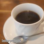 111759605 - ランチタイムのホットコーヒー