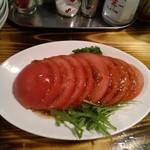 港釧路の炉端焼き 虎や - トマトサラダ
