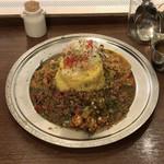 旧ヤム鐵道 - ●あいがけカレー¥993税込 今月のカレー2種類+ルゥポット ・A オクラとトマトのマサラと食べる ●ライン大¥108税込