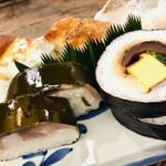 Iduu - しっかりと〆られた鯖姿寿司。滋味深い味わい。美味しい!!