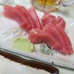 柿乃木 - まぐろの刺身 750円