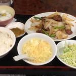 春夏冬 - レバ野菜炒めランチ