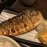 和食とお酒 きいろ - 塩サバ定食(1,200円)
