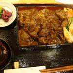 柿安イートイン - すきやき重