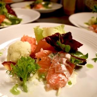 ランチメニュー平日1900円より!旬のお野菜がふんだんです