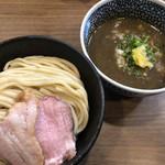 煮干しつけ麺 宮元 - 料理写真:極濃煮干しつけ麺850円 中盛り60円