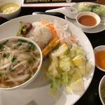 111807129 - 「五目よせ 豚肉チャーシューのせるご飯」!                       フォーボー、生春巻き、サラダ、デザート、セルフのベトナムコーヒー付き。                       ボリューミーです。