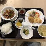 中華菜館 五福 - 料理写真:日替りランチ『春巻と海老の中華風天ぷら 鶏肉とジャガイモの味噌炒め』
