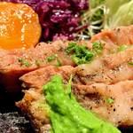 ビストロハマイフ - 豚肩ロース肉の炭火ロースト ニラソースを添えて。