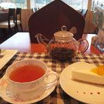 千花 - 紅茶は柔らかい味わいとベルガモットの優雅な香り。