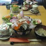 11181160 - 限定5食!! 「海鮮丼(1050円)」