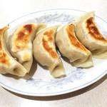 中国菜館 岡田屋 - ギョウザ 400円