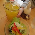 リュリュ - 料理写真:サラダ&ドリンク
