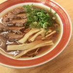 おっつぁん - しょうゆラーメン(麺かため)