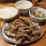 ジンギスカン 神保町 マカン - ジンギスカン960円