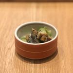 Warayakiporojirou - お通し(鰻ざく)