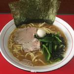 豚八家 - 料理写真:ラーメン(680円)