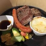 ママトコキッチン カフェレストラン - ハンバーグと牛ロース