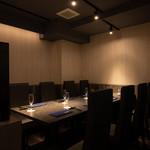 Col Bleu - 様々なシーンでご利用いただける使い勝手のよいテーブル席をご用意