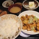 きじべえ - 日替わりランチ麻婆豆腐と唐揚げ