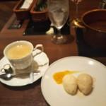 ワインと美味しい一人鍋 アスペルジュ - ドルチェとホットコーヒー