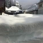 11186597 - 野沢は2m近い雪の中